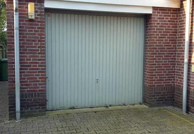 Garagedeur ombouw Oude garagedeur