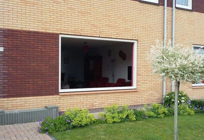 Gevel raamkozijn plaatsen Kunststof kozijn opbouw